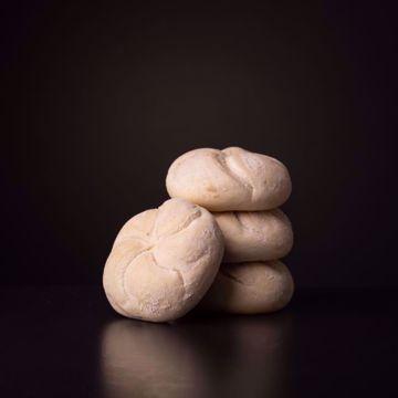 Afbeeldingen van 10 x halfafgebakken kaiserbroodjes