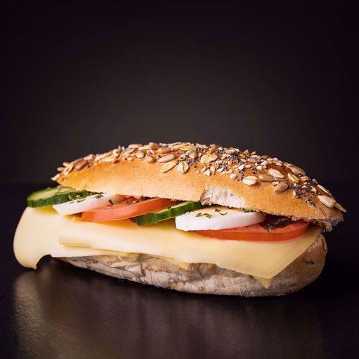 Afbeelding van Belegd broodje gezond kaas